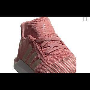 Adidas Boys Court Shoe Blue Size 4 Lace Closure Lightweight EVA Midsole NWT